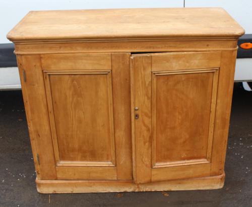 1900s Country Pine 2 Door Cupboard Base (1 of 4)