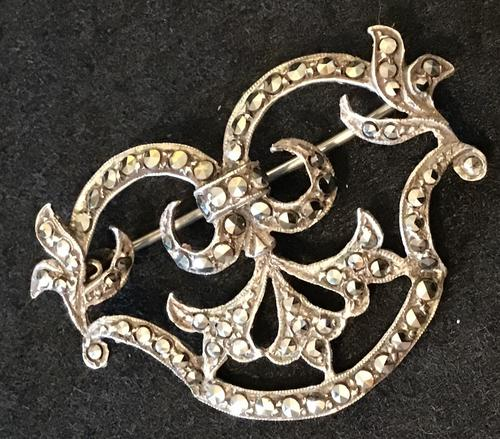Silver and Marcasite Vintage Brooch (1 of 5)