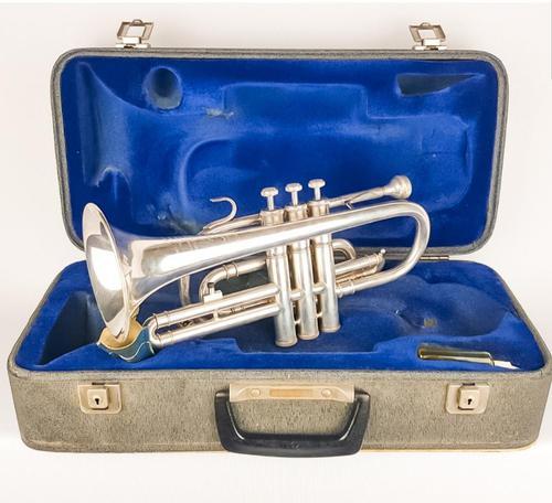 Alliance J.R. Lafleur and Sons Ltd Trumpet/flugelhorn (1 of 9)