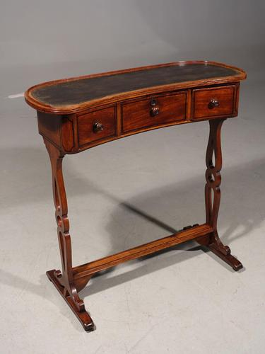 A Rare and Very Slender Early 19th Century Kidney Shaped Writing Table (1 of 4)
