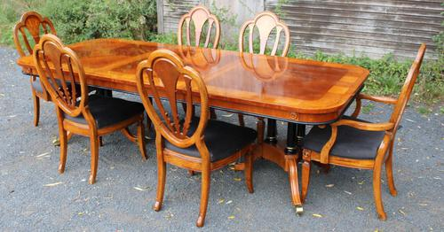 1960's Mahogany Pull Out Table with Set of 6 Dining Chairs.4+2 Carvers (1 of 14)