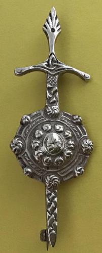Robert Allison Scottish Silver Kilt Pin Glasgow 1953 (1 of 4)