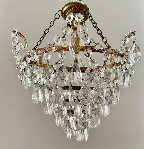 A Single Light French Waterfall Chandelier (1 of 8)