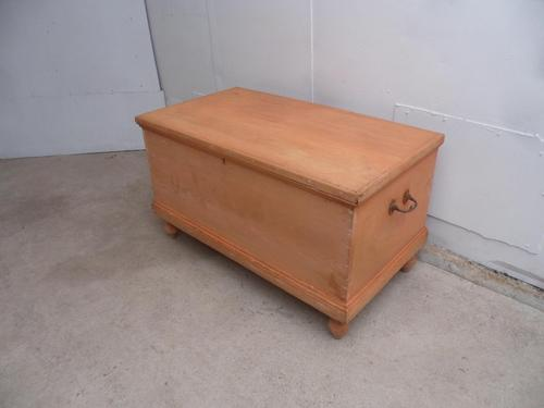 Large Victorian Antique Pine Coffer Box / Coffee Table / TV Stand to wax / paint (1 of 9)