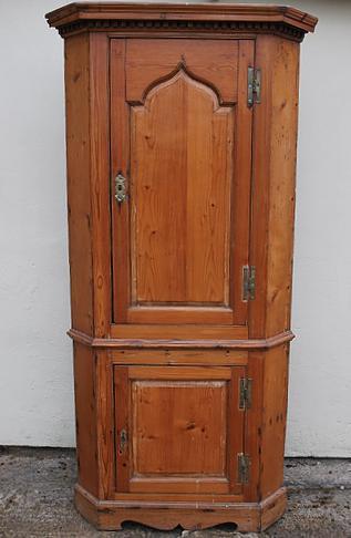 Antique Irish Pine Corner Cupboard (1 of 4)