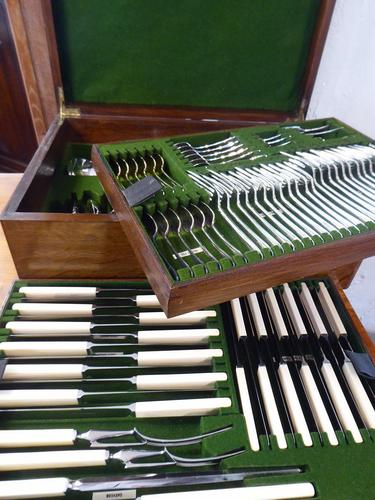 Scottish 12 Place Setting Canteen of Cutlery (1 of 10)
