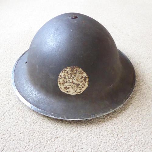 WW2 Dated Brodie Helmet with Gas Indicator (1 of 4)