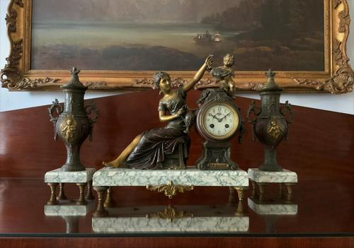 Beautiful 19thc French 3-piece 8-day Gilt-bronzed Spelter Garniture Mantle Clock (1 of 16)