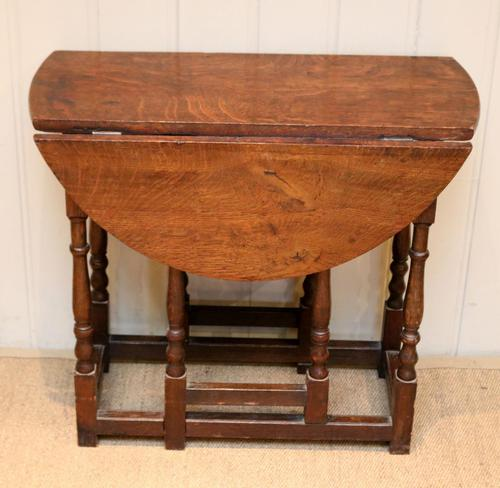 Small Oak Drop Leaf Table c.1920 (1 of 8)