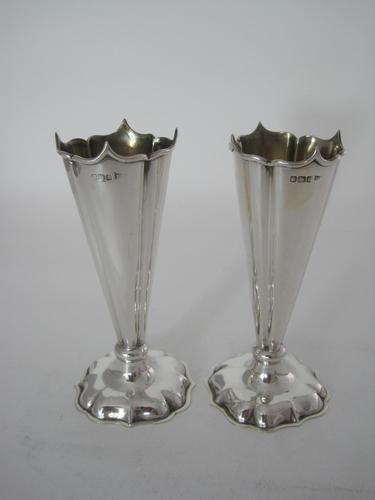 Pair of Stylish Edwardian Silver Vases (1 of 6)