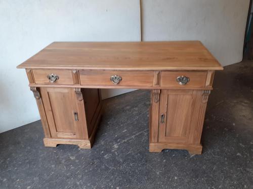 Pine Knee Hole Desk (1 of 6)