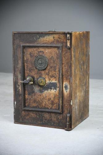 Antique Metal Safe (1 of 18)