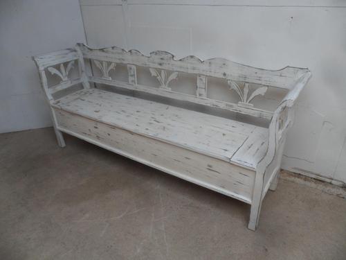 Lovely Mottled White 3-4 Seater Antique Pine Kitchen / Hall Box Settle / Bench (1 of 9)
