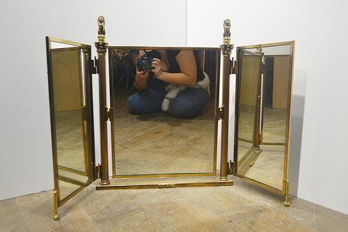 Counter Top Three Fold Mirror (1 of 8)