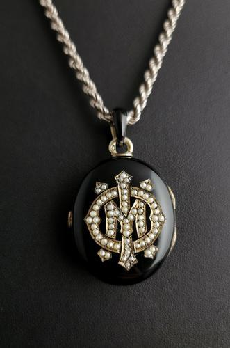 Victorian Mourning Locket, Black Enamel & Seed Pearl (1 of 13)