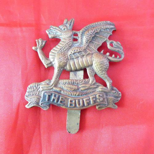 WW1  Buffs Cap Badge (1 of 2)
