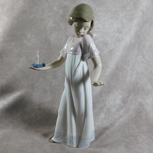 """""""Nina Con Palmatora"""" or """"To Light The Way"""" Hand Modelled Porcelain Figure by Nao (1 of 8)"""
