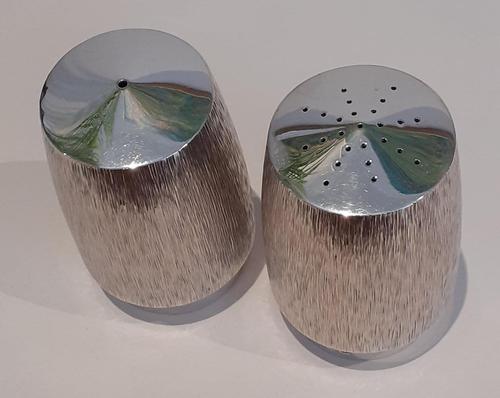 Silver Salt & Pepper Pots (1 of 4)