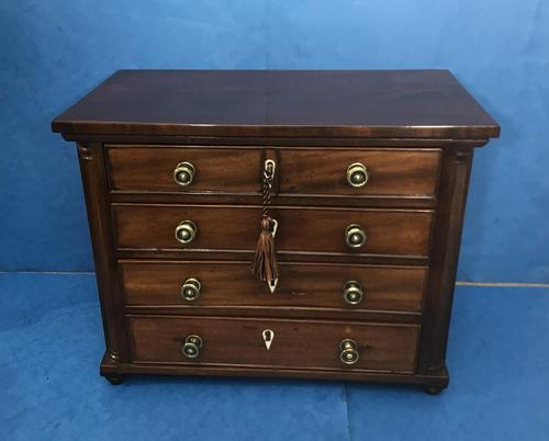 Victorian mahogany miniature chest of drawers (1 of 18)