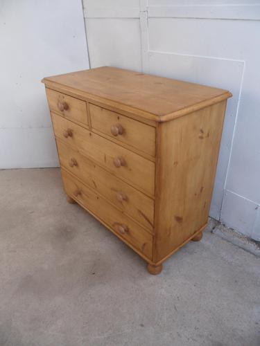 Superb Victorian Large Antique Pine 5 Drawer Chest of Drawers (1 of 8)