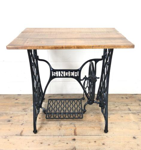 Singer Sewing Machine Treadle Table (1 of 10)