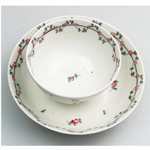 A Very Pretty New Hall Porcelain Floral Spray Tea Bowl & Saucer C.18thc (1 of 5)