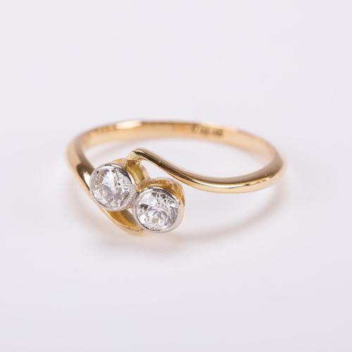 Antique Edwardian 0.50 Carat Diamond 'moi et Toi' Two Stone Cross Over Engagement Ring c.1900 (1 of 5)