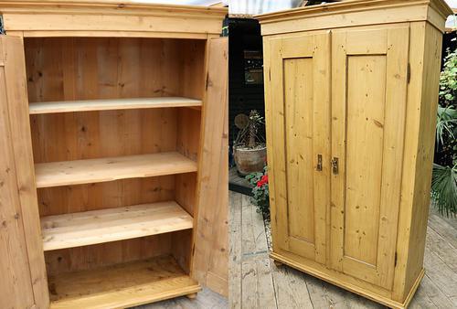 Fabulous! Georgian! Old Pine Two Door Cupboard with Shelves - We Deliver! (1 of 15)