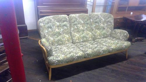 Ercol Vintage Windsor Three Seater Settee of Large Size (1 of 5)