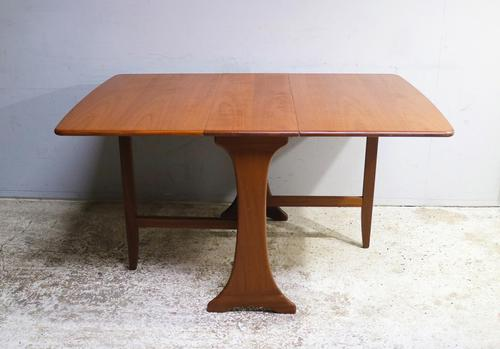 1970's G Plan mid century drop leaf gate leg dining table (1 of 5)