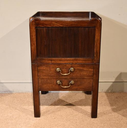 Late 18th Century Mahogany Bedside Cabinet (1 of 7)