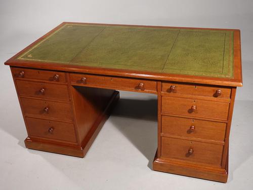 A Good Late Regency Mahogany Partners Desk (1 of 11)