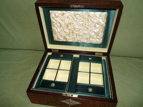 QUALITY Inlaid Figured Walnut Jewellery Box + Tray c.1870 (1 of 14)