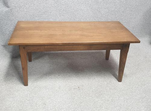 Solid Oak Coffee Table (1 of 5)