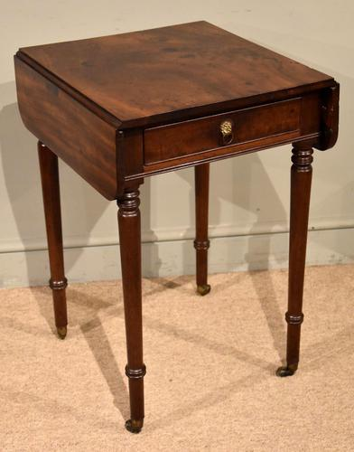 Attractive Regency Period Mahogany Drop Leaf Side Table (1 of 6)