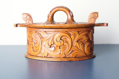 Scandinavian / Norwegian 'Folk Art' Baroque / Acanthus Carved Tine Box c.1910 (1 of 39)