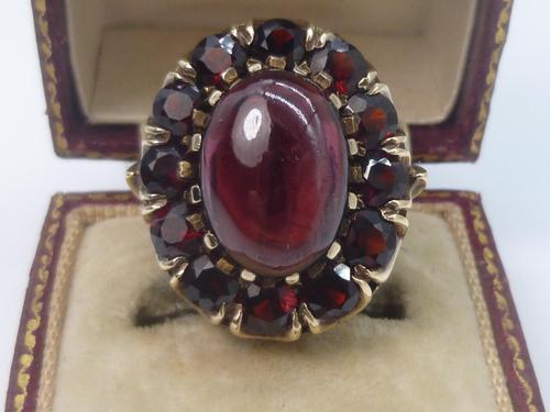 Vintage Gold & Garnet Cluster Ring (1 of 8)