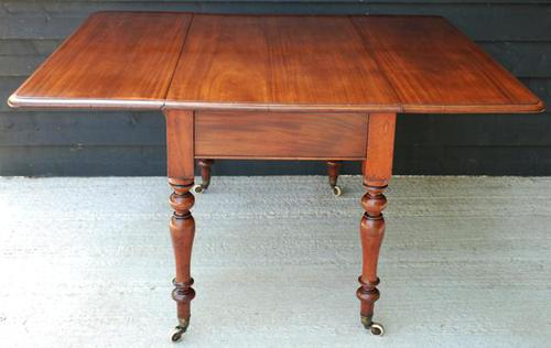 Good Quality Victorian Mahogany Pembroke Dining Table to seat 6 people (1 of 10)