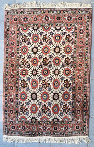 Fine Old Veramin rug 215x144cm (1 of 7)