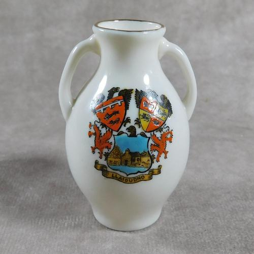 Unusual, W.H. Goss Crested Ware, Heraldic, Souvenir China, Misspelt  Place  NameVase (1 of 6)