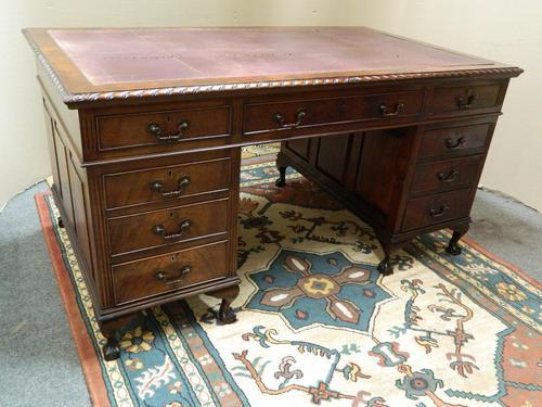 Mahogany Pedestal Desk (1 of 7)