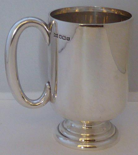 1928 Walker & Hall Hallmarked Solid Silver Christening Mug Tankard Gift Boxed (1 of 9)