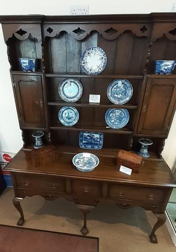 Welsh Style Oak Dresser (1 of 9)