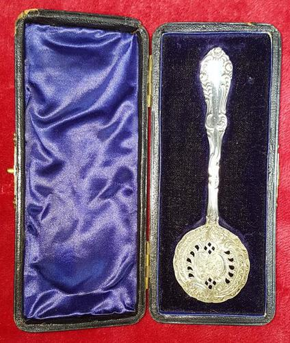 Cased Sterling Silver Sugar Sifter Spoon (1 of 5)