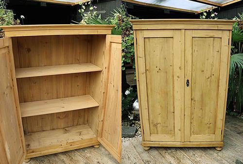 Fantastic Old Pine 2 Door Cupboard with Shelves - Linen/ Larder/ Storage / Food (1 of 10)