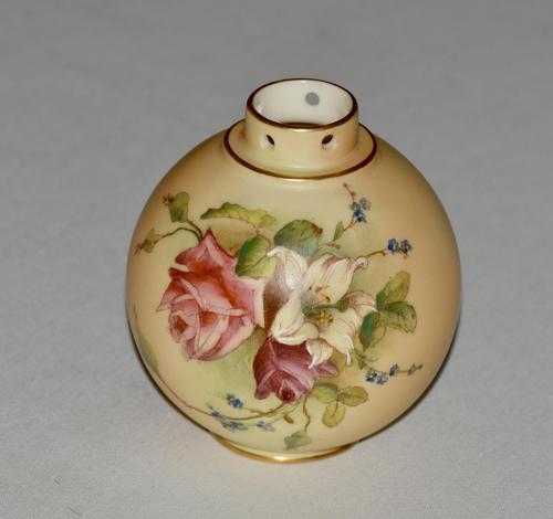 1914 Royal Worcester Globular Shaped Blush Ivory Vase ' Roses ' (1 of 4)
