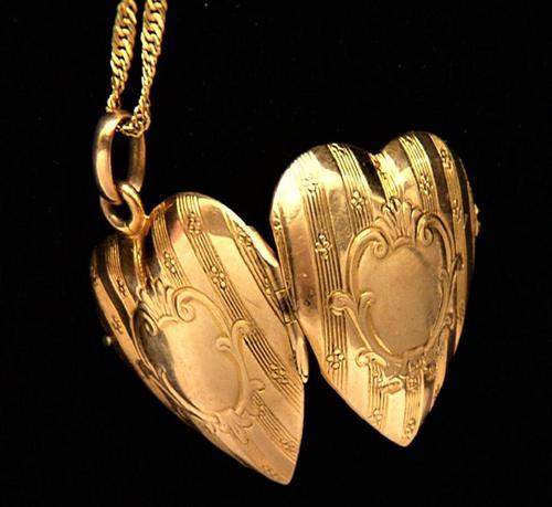 Antique 9ct Gold Glasgow Assayed Locket 1911 (1 of 9)