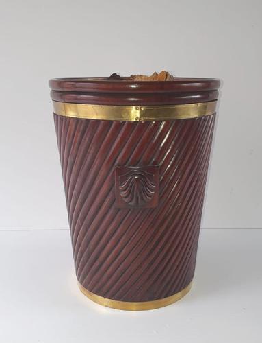 20th Century Hand Made Irish Design Peat Bucket (1 of 4)