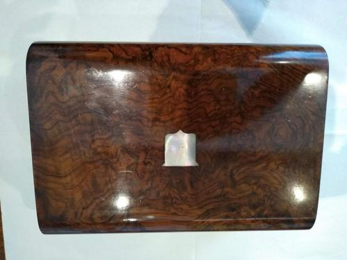 Walnut Wood Sewing Box with Mother of Pearl Inlay (1 of 13)