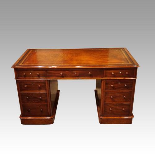 Victorian Mahogany Pedestal Desk (1 of 11)